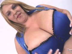 Big Tits Mature Carol Brown Toy Fuck