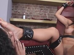 Sexy Babe in Naked Enjoyed Lesbian Sex with Her Female Friend