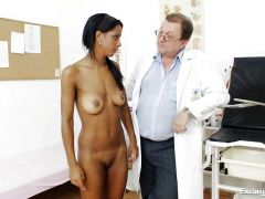 Clinic doctor gives a thorough check up