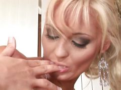 Natalli Di Angelo finger fucks this babes wet pussy