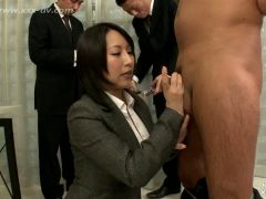 This daring and cute office lady is doing handjob to her boss