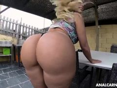 Blondie getting fucked in her ass