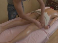 Small-titted Cum Sucker Kiss With A Handsome Guy In A Massage Parlour