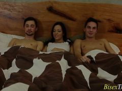 Slut Cummed In Bisex Trio