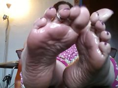 Spectacular Meaty Soled Mistress