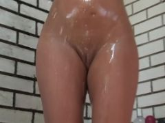 Sizzling Blonde With Perky Tits Takes Shower