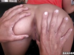 Kelly Diamond takes a big one up her oiled up ass