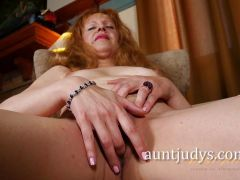R Field Interviews the Lovely Mature Deisy
