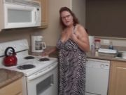 Chunky assed housewife in the mood for masturbation
