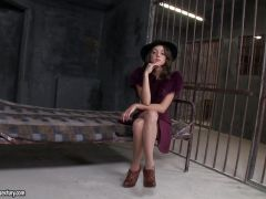 Foxy Di fucked in her prison cell