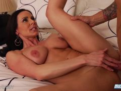 Sexy MILF Gets The Cock She Craves In Both Her Mouth & Pussy