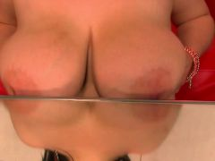bbw playng on table