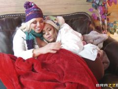 Apres ski threesome action with Yurizan Beltran and Britney Amber