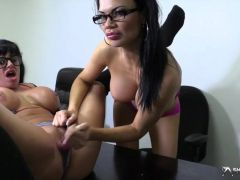 Bigtits lesbians in pussylicking action