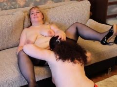 Amateur mature 3some