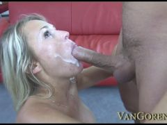 Hot Mommy Gets Boned