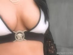 The Solo Sex Film Of Octomom With Stripping And Bathing