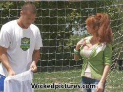 Mommy babe Taylor Wane fucks her son\'s coach