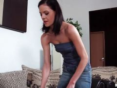 Aliz Inserting hoover into ass