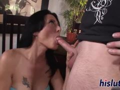 Stunning Zoey delivers a fantastic blowjob