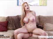 Alyssa Lynn rides this thick shaft