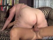 Fat hoochie Eliza Allure gets a heapin\' helpin\' of hung hunk