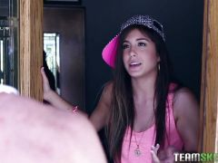 Natalie Monroe comes on to the car mechanic