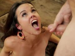 cute young girl in wilde hardcore fuck (HD)