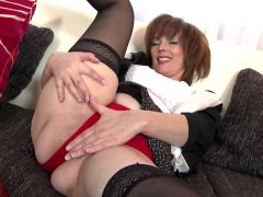 Real amateur MILF in black stockings and red shoes
