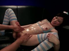Kinky hot babe gets her wet pussy dildo fucked